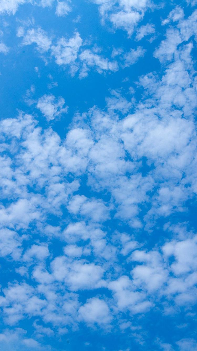 蓝色天空 云朵 苹果手机高清壁纸 750x1334_爱思助手