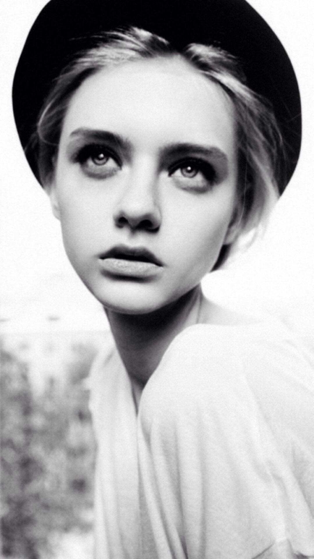 欧美 女孩黑白照