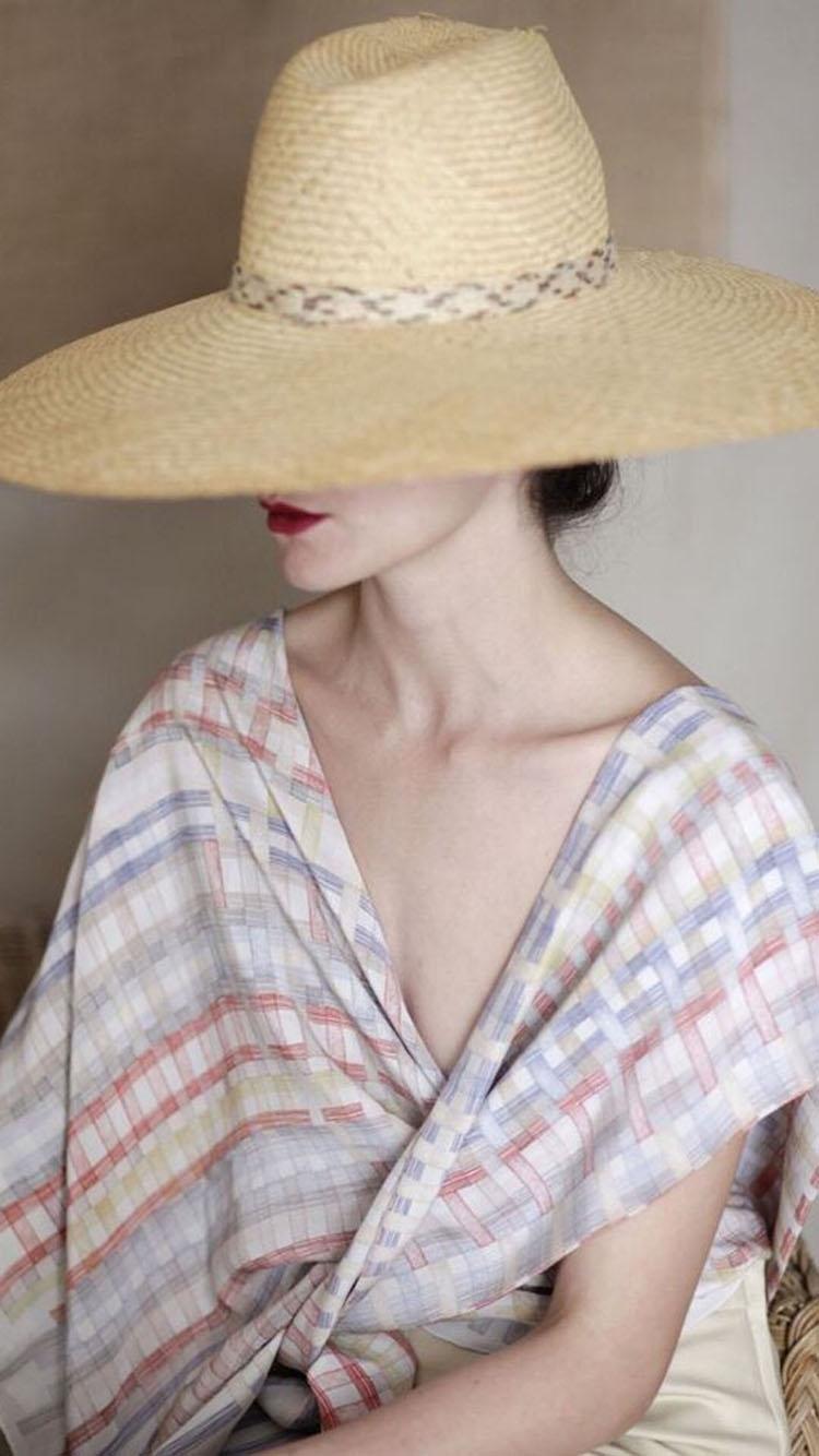戴帽子性感美女背影 苹果手机高清壁纸 750x1334_爱思