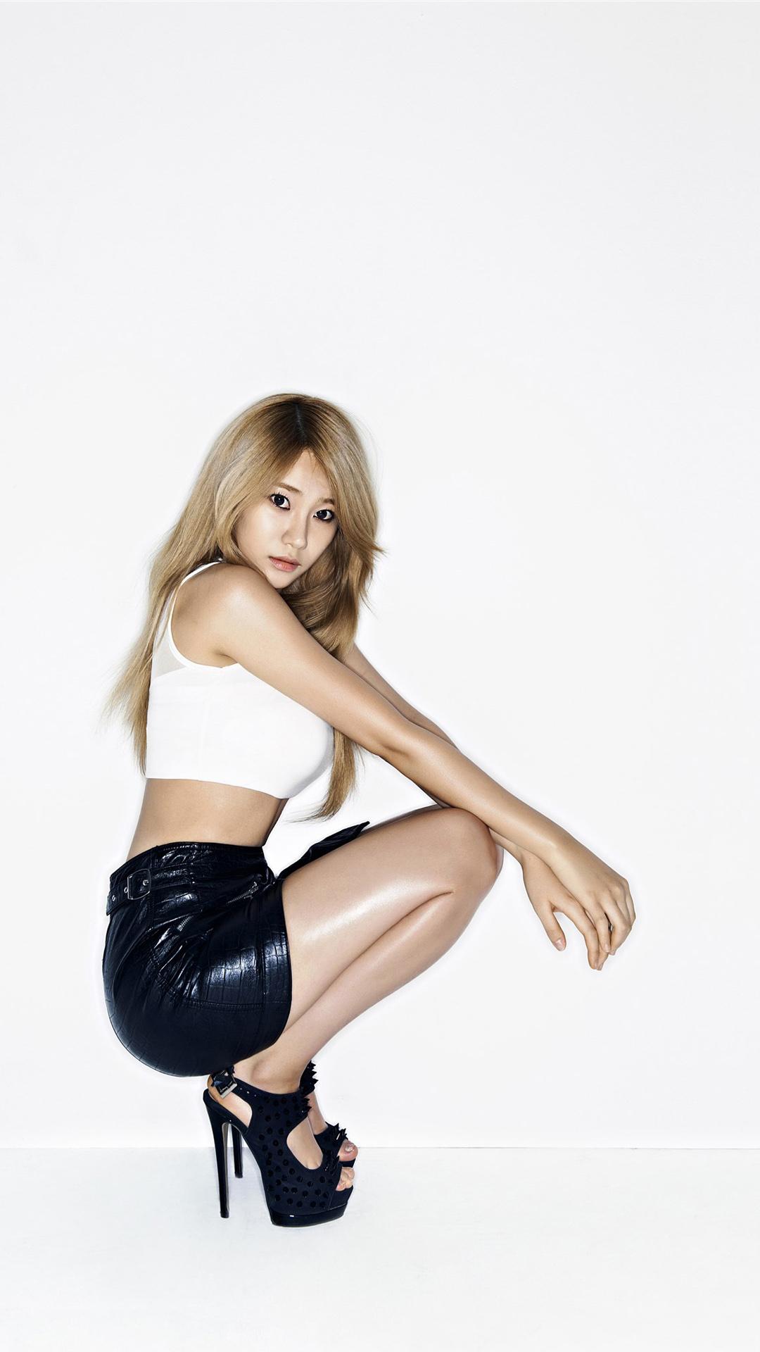 韩国 女生 美女 白色 苹果手机高清壁纸 1080x1920