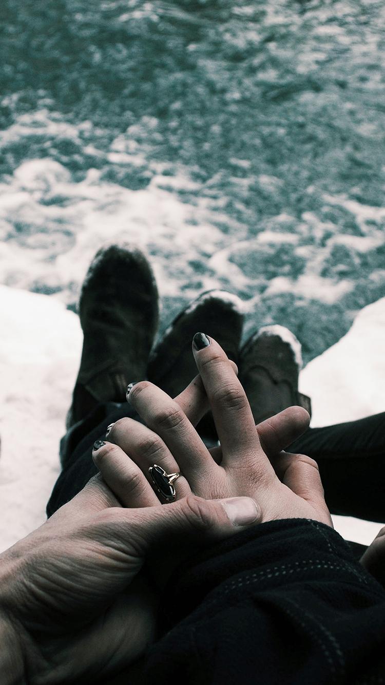 愛情 情侶 海邊 冰海 牽手 戒指 蘋果手機高清壁紙 x