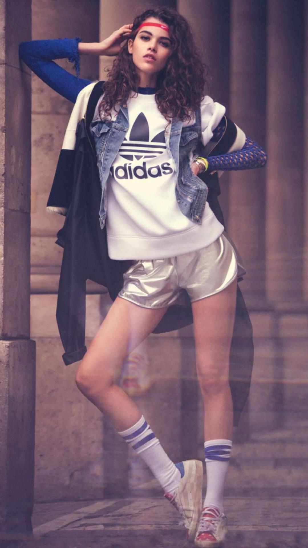 美女 欧美 运动 体育 长腿 阿迪达斯Adidas 苹果手机高清壁纸 1080x1920 爱思助手