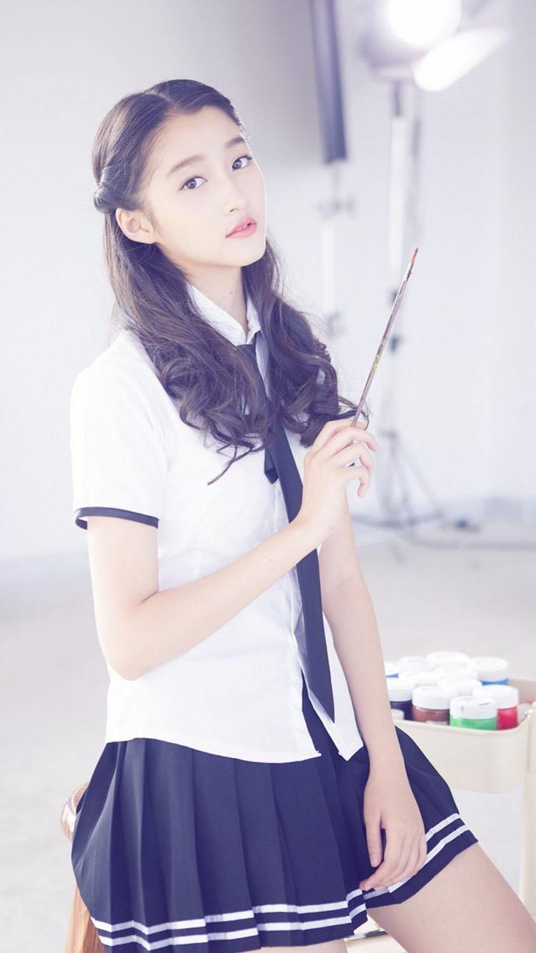 甜美少女 关晓彤 清新学生装 苹果手机高清壁纸 750x