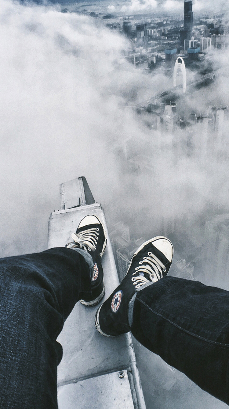 云端 黑白 俯视 城市 云层 双腿
