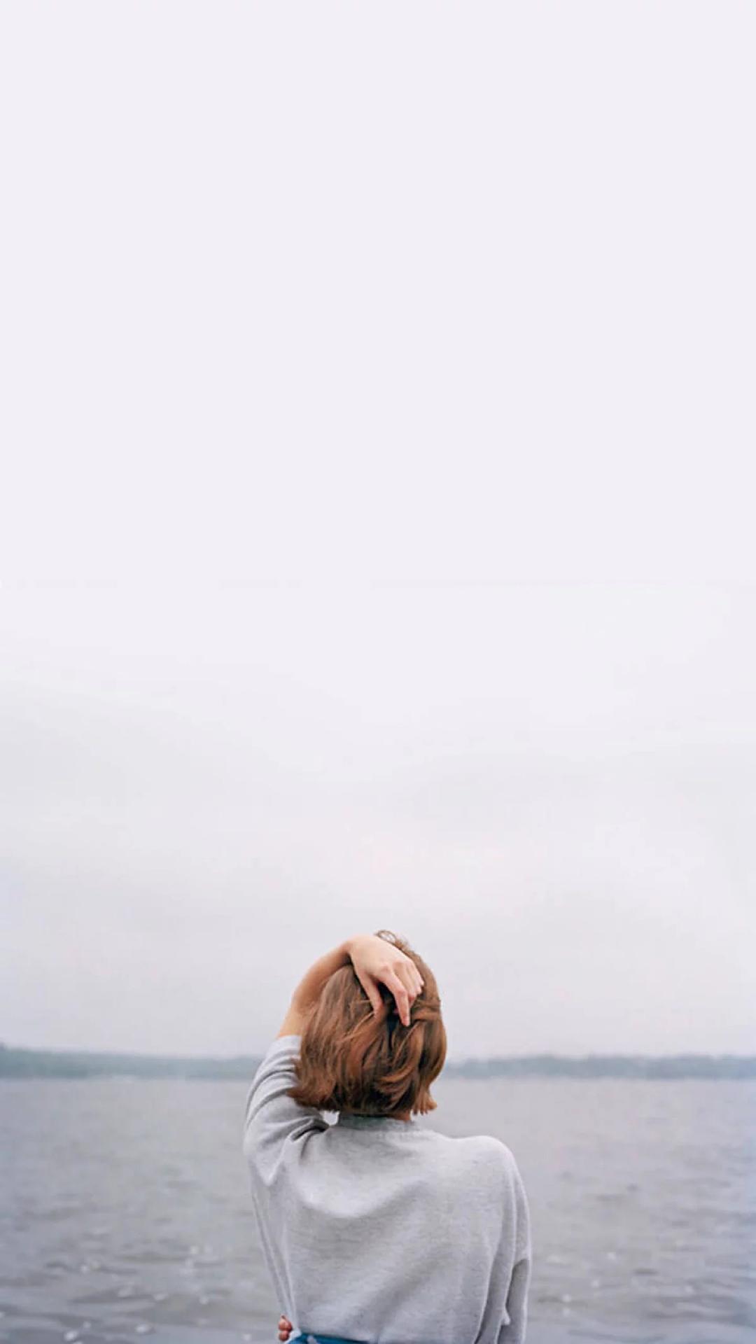 海 美女 短发 背影