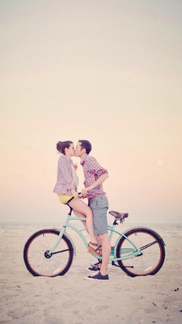 情侣 拥抱 雪 爱情 浪漫 苹果手机高清壁纸 750x1334