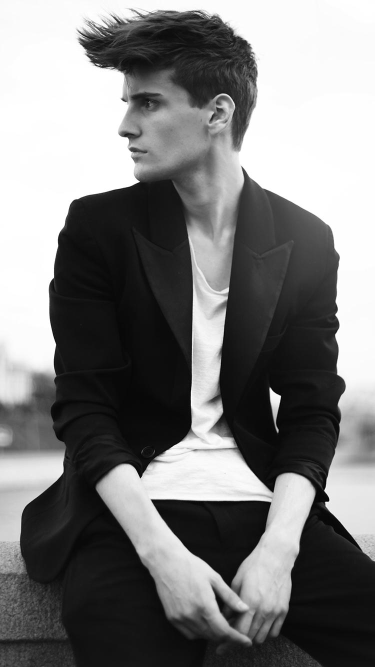 男模 模特 欧美 黑白 侧颜 西装 绅士 英伦