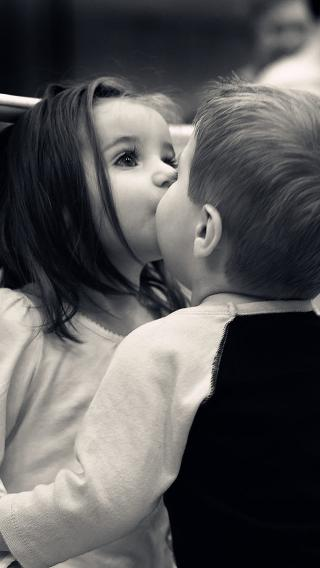 kiss 小孩 两小无猜