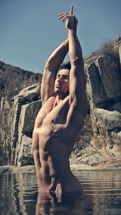 型男 欧美 肌肉 裸体 水 性感