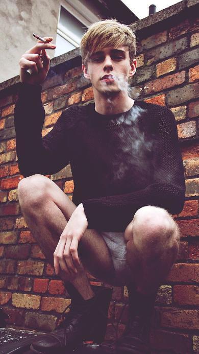 欧美抽烟 帅气 型男