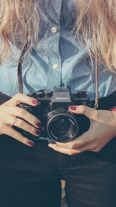女生 相机 创意 衬衫