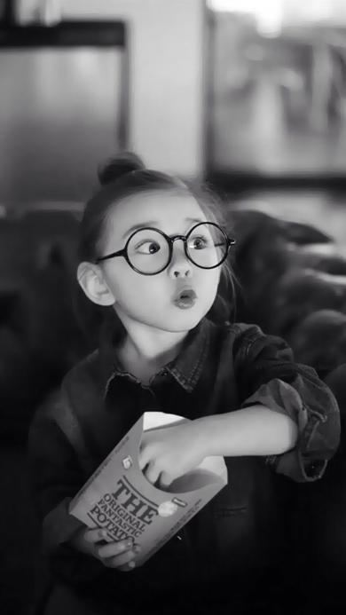萌娃 黑白 爱 女孩 眼镜