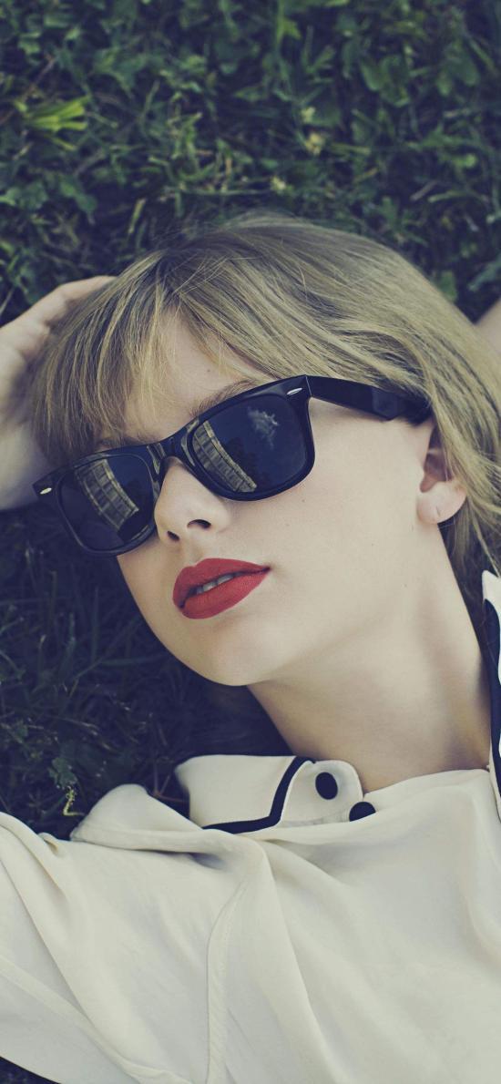 Taylor Swift 歌手 音乐人 明星 艺人 草坪欧美