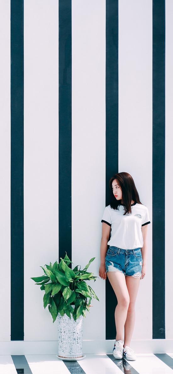 背景墙 植物 盆栽 美女