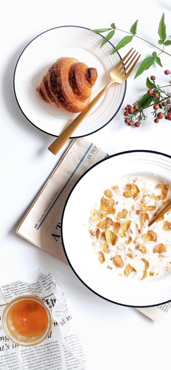 餐点 牛奶燕麦 面包 可颂包