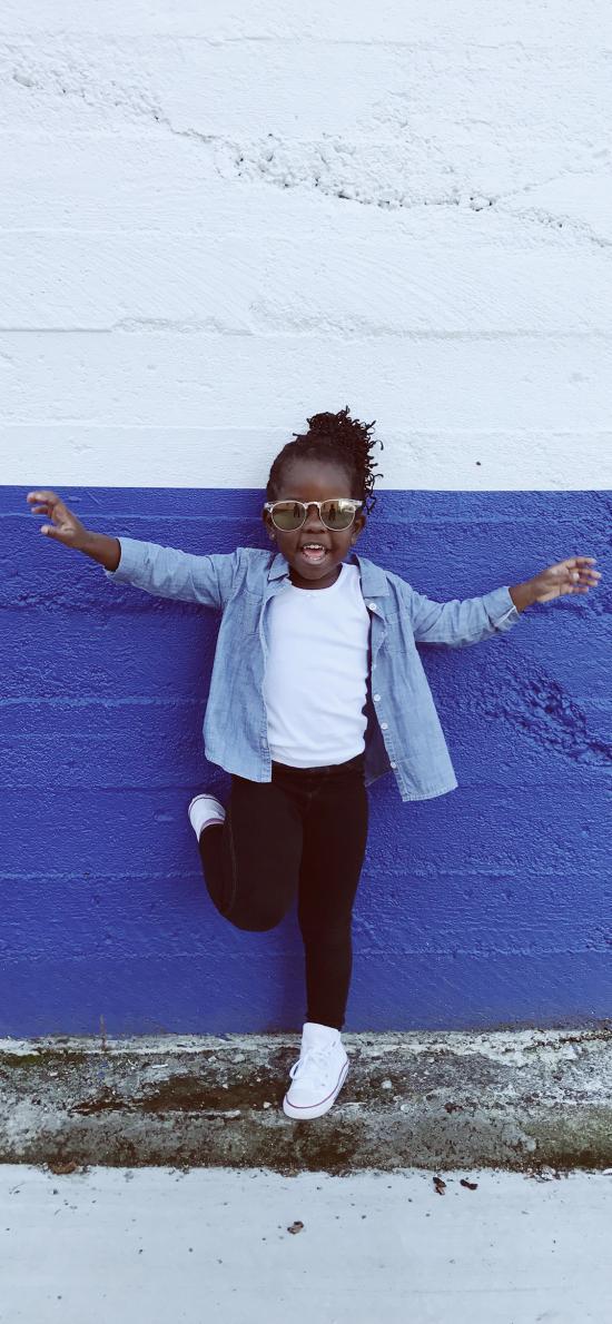小孩 黑皮肤 活泼 造型