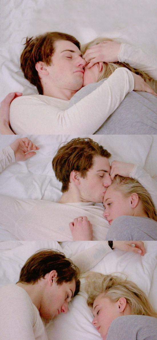 歐美情侶 擁吻 愛情