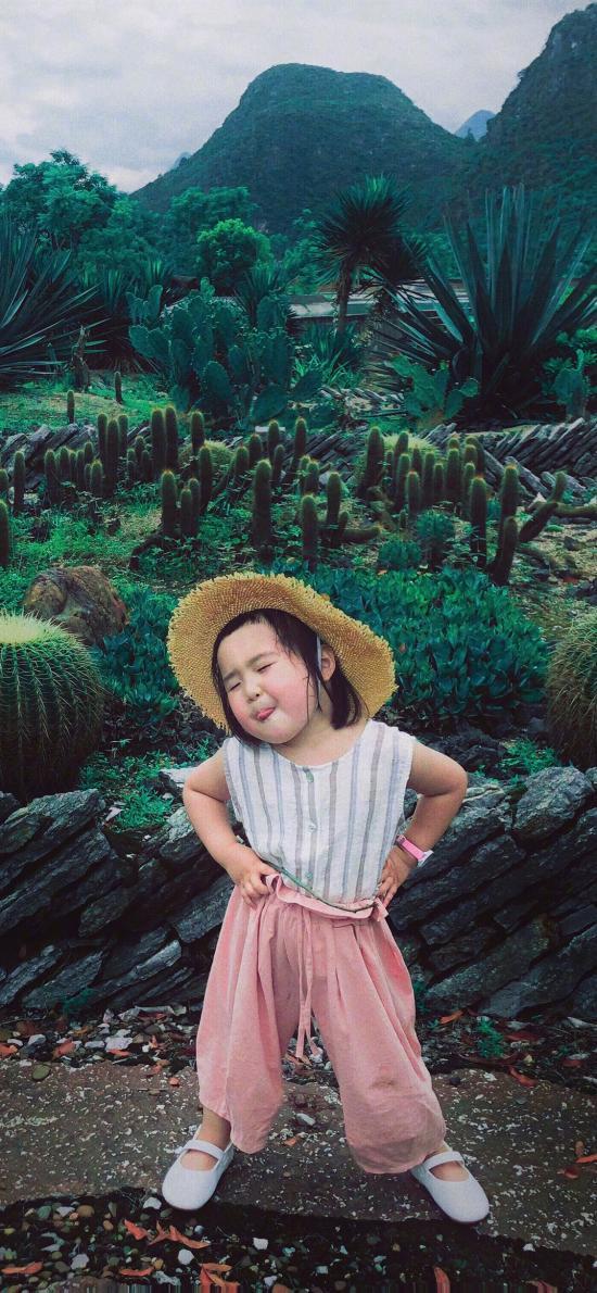 小蠻 小網紅 小女孩 兒童 歡樂 草帽 叉腰