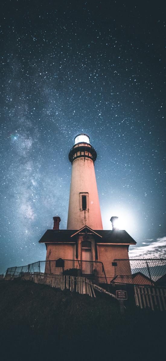 夜晚 灯塔 信号 星空