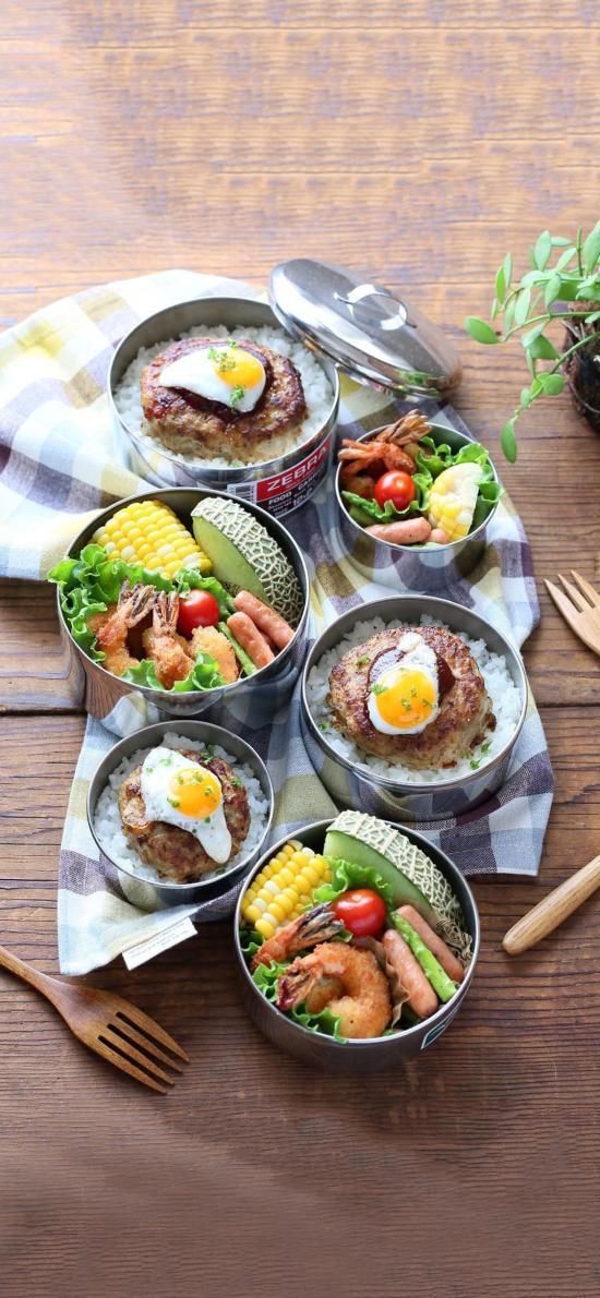 餐点 玉米 煎蛋 水果 米饭