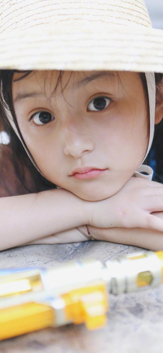 劉楚恬 小葡萄 小女孩 草帽 童星