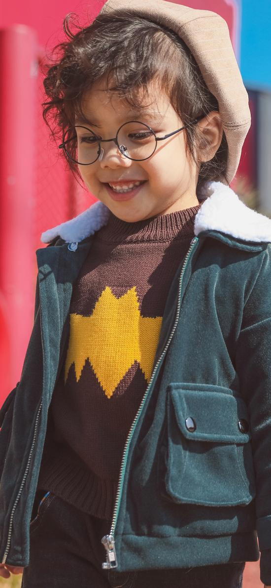 眼鏡 笑臉 歡樂 幼童