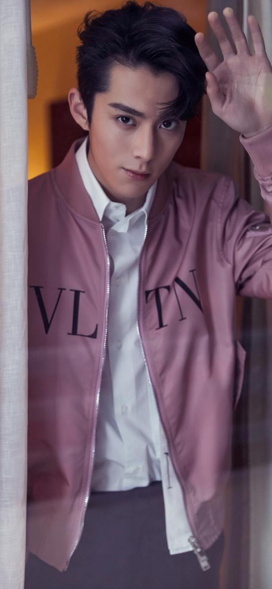 王鶴棣 演員 明星 時尚 玻璃