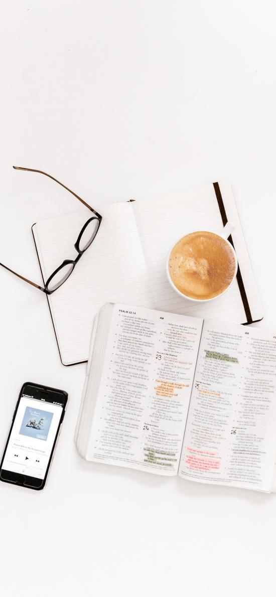 靜物 書籍 閱讀 手機 咖啡