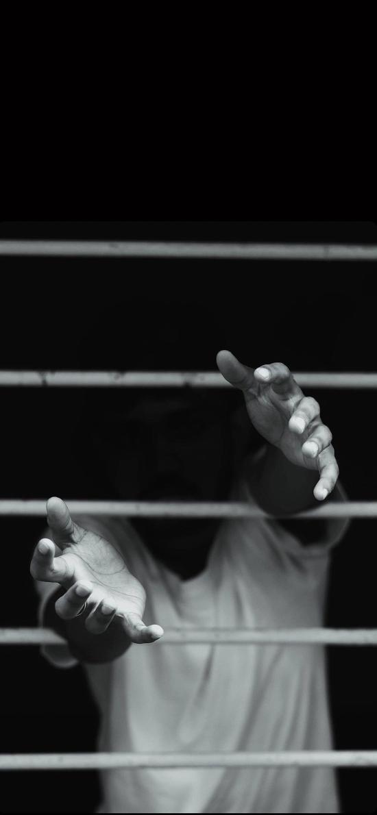 手部 栏杆 阻挡 伸出 黑白