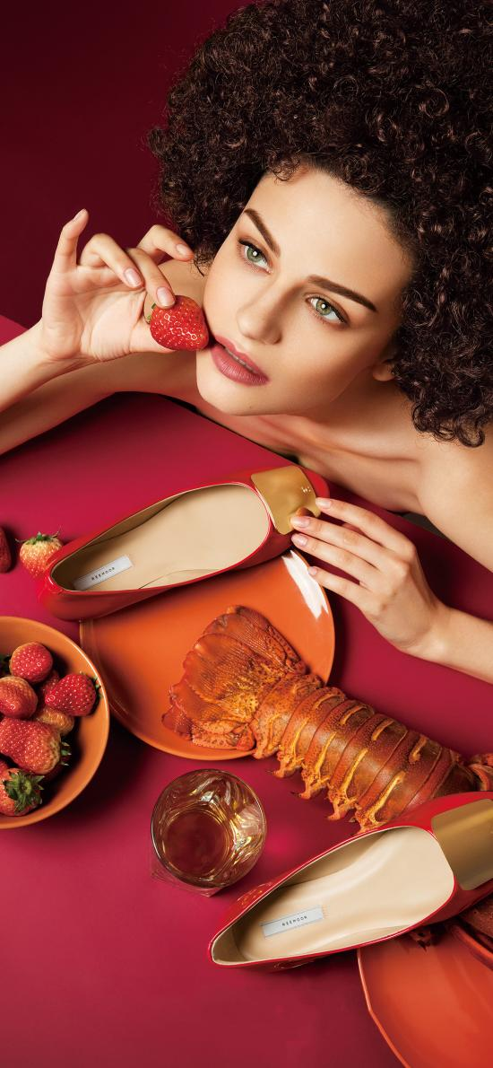 欧美美女 模特 龙虾 草莓 鞋子