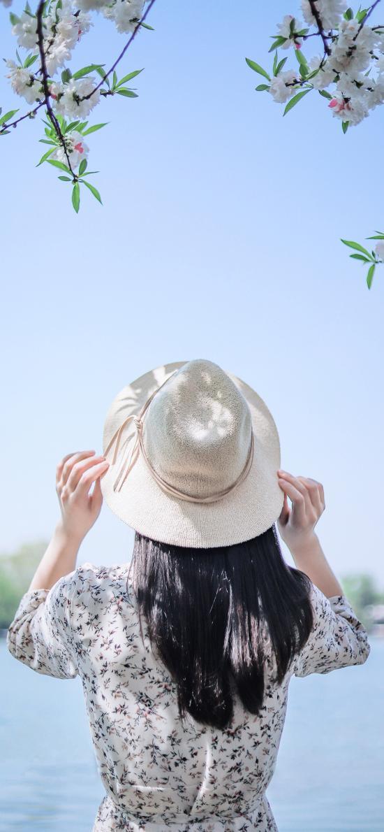背影 帽子 景色 湖面
