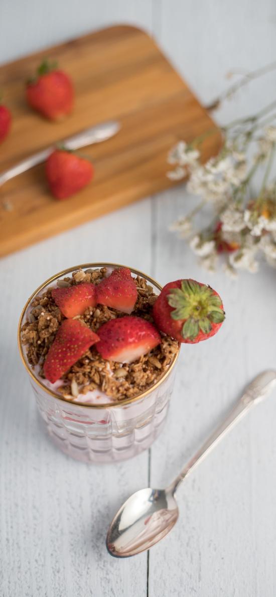 草莓 甜品 水果 杯子