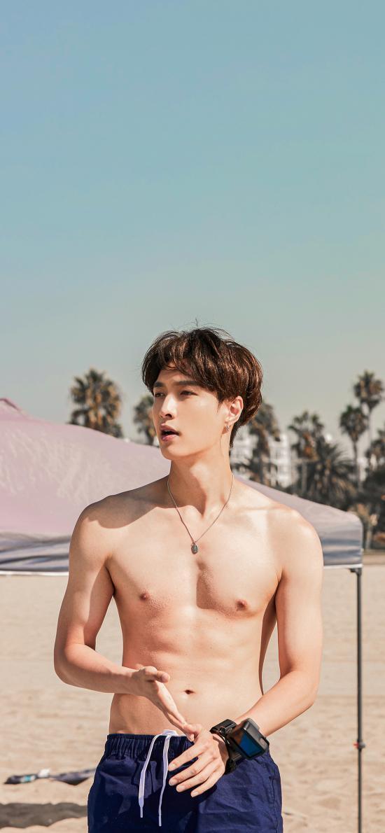 张艺兴 歌手 明星 艺人 腹肌 沙滩